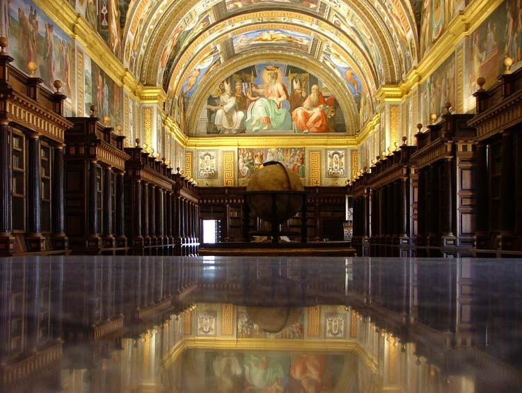 Biblioteca monasterio Escorial - Curiosidades que quizás no conocías sobre el monasterio de El Escorial
