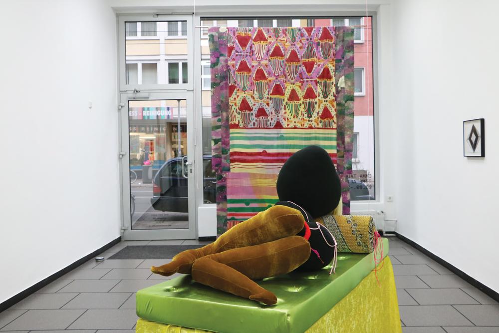 La galería Petra Rinck, en el barrio de Flingern, expone la obra de Emma Talbot.
