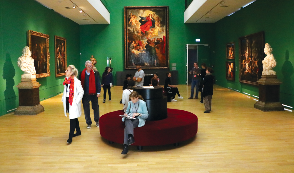 Sala de arte clásico en el Kunstpalast Museum