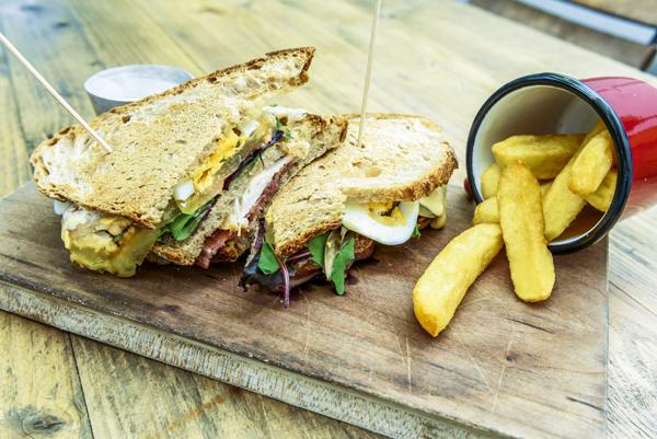 Sandwich club de Petit Lunch Arzábal.