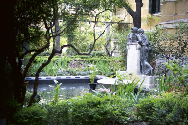 Fuente de las confidencias del Jardín del Museo Sorolla de Madrid.  © Imagen cedida por cortesía del Museo Sorolla.