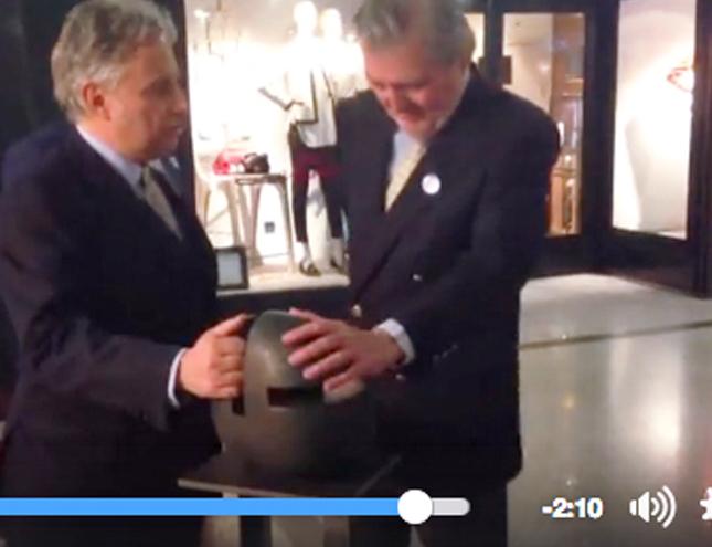 El Ministro de Cultura inaugura la feria de arte FLECHA