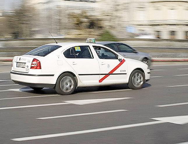 Los taxistas de Madrid se manifiestan contra Uber y Cabify