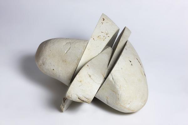 746 - Exposición (escultura) El sentimiento de la piedra
