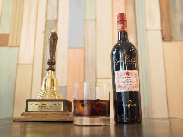 Cuando suene la campana, recuerda que es la hora del vermouth.