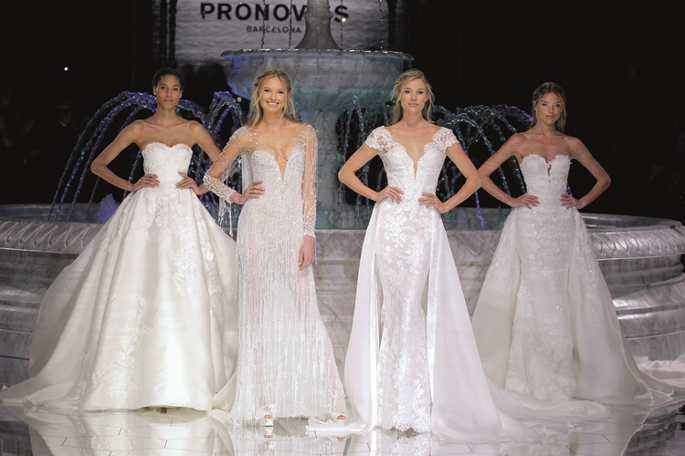 PRONOVIAS FASHION SHOW_Roxana, Riva,