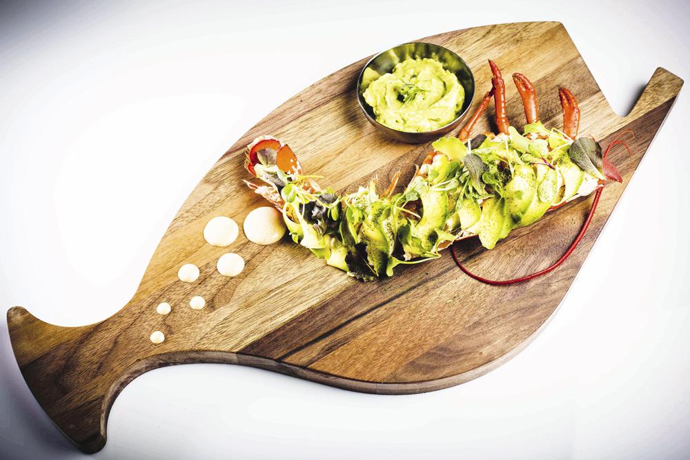 Ensalada de bogavante del restaurante Bibo Madrid, del chef Dani García.