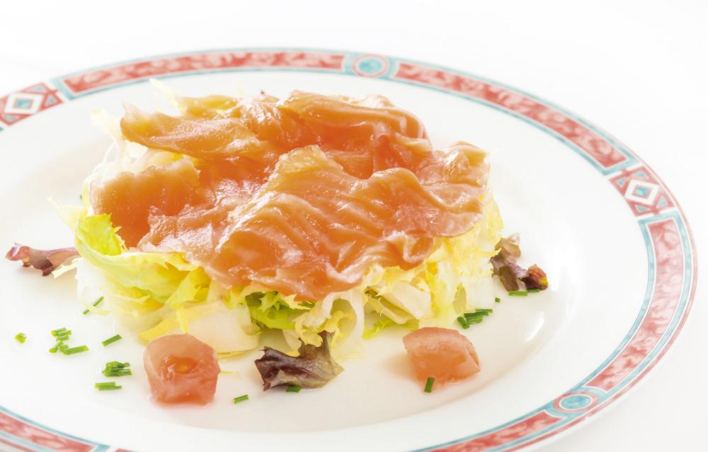 OXS Ensalada especial de salmón - Platos fríos para un verano en Madrid
