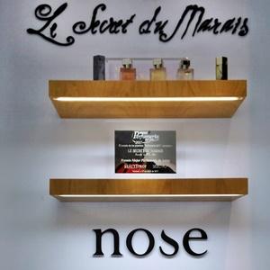 Buscando mi nuevo perfume en Le Secret du Marais