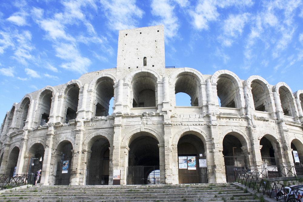 Arlés Anfiteatro 1 - La Provenza, lugar elegido por geniales artistas y opulentos Papas