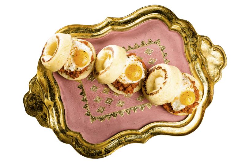 En BIBO, del chef Dani García, puedes disfrutar de este brioche con huevo, de su carta de Brunch.  Pº de La Castellana, 52   918 05 25 56