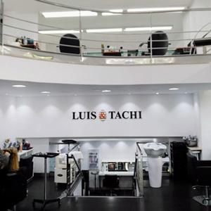 Consigue una mirada de cine en Luis &Tachi