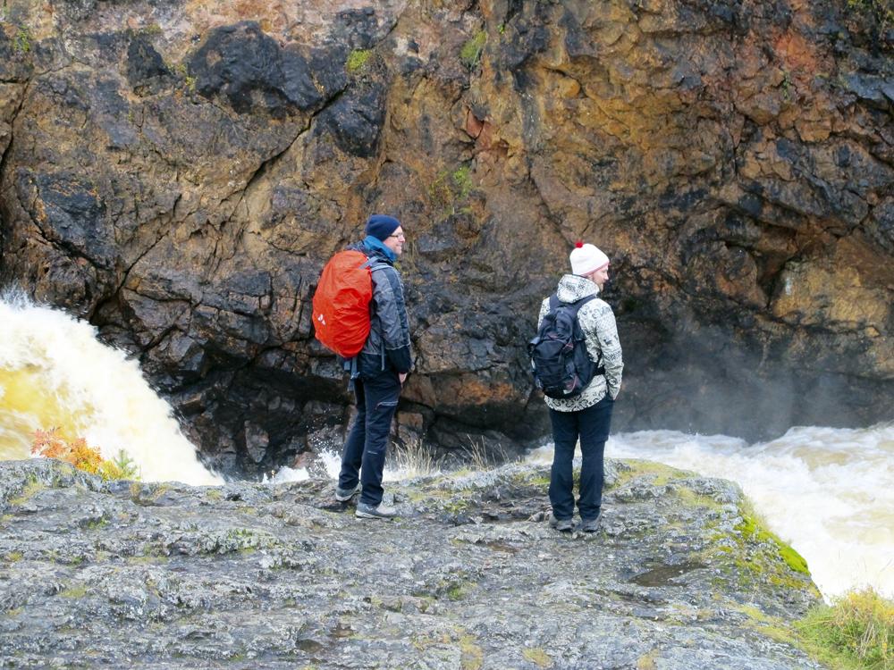 El Parque Nacional de Oulanka recibe más de 200.000 visitantes al año. El turista español está empezando a descubrir este destino. Después de los chinos, es el que más ha incrementado su presencia en Ruka-Kuusamo en el último año. Rusos, ingleses, alemanes y holandeses están por delante en el ránking. El turista extranjero en la zona apenas representan el 21%.