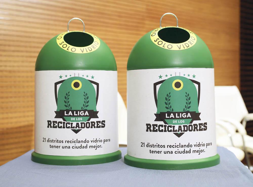 Gal SabanesCampañaReciclaje 1 - Si reciclas vidrio ganas un parque infantil en tu distrito