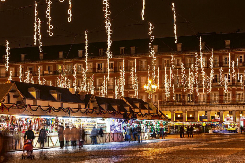 Plaza Mayor. Mercadillo de Navidad.