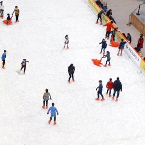 Madrid abre 8 pistas de hielo por Navidad