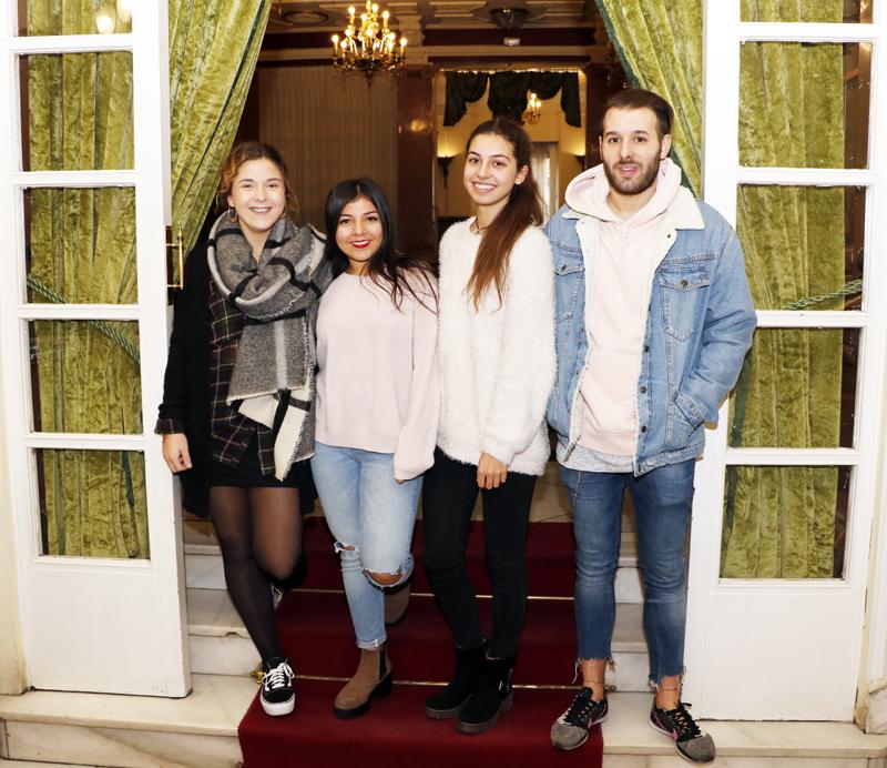 Los estudiantes (izq. a dcha) Lourdes Bustos, África Peco, Ángela Herdín e Iván Blanco, son los creadores de Vikara, una empresa creada en la universidad LEINN.