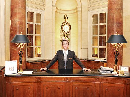 ritz - Cierra el Hotel Ritz de Madrid