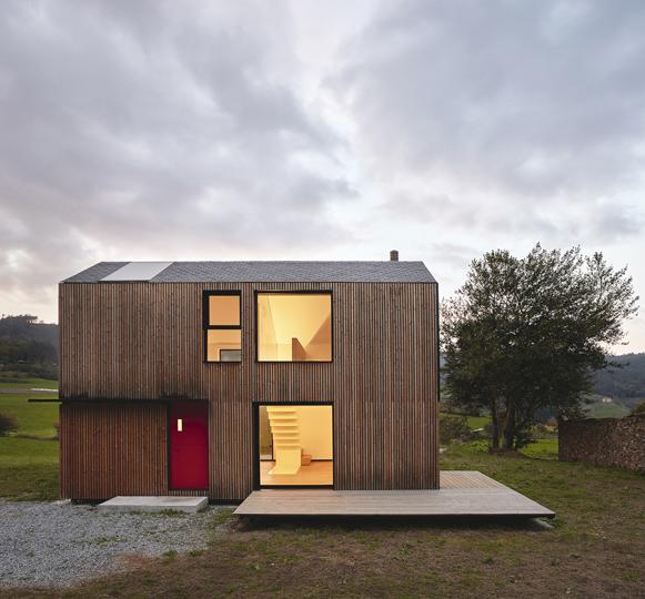 Paredes 26 - Casa Montaña, su creador  y la arquitectura modular
