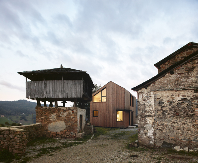 Paredes 27 - Casa Montaña, su creador  y la arquitectura modular