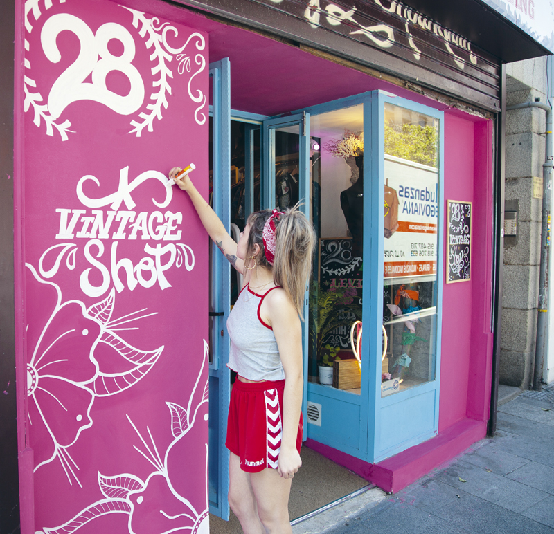 En el número 6 de la calle Embajadores está la tienda de moda 28 Vintage Clothing.
