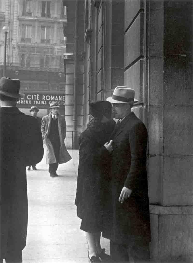 Amantes en la Gare Saint-Lazare. 1937