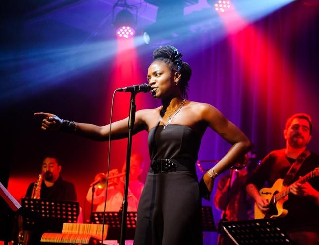 Danza, poesía y música llenan de propuestas culturales cinco distritos de la ciudad
