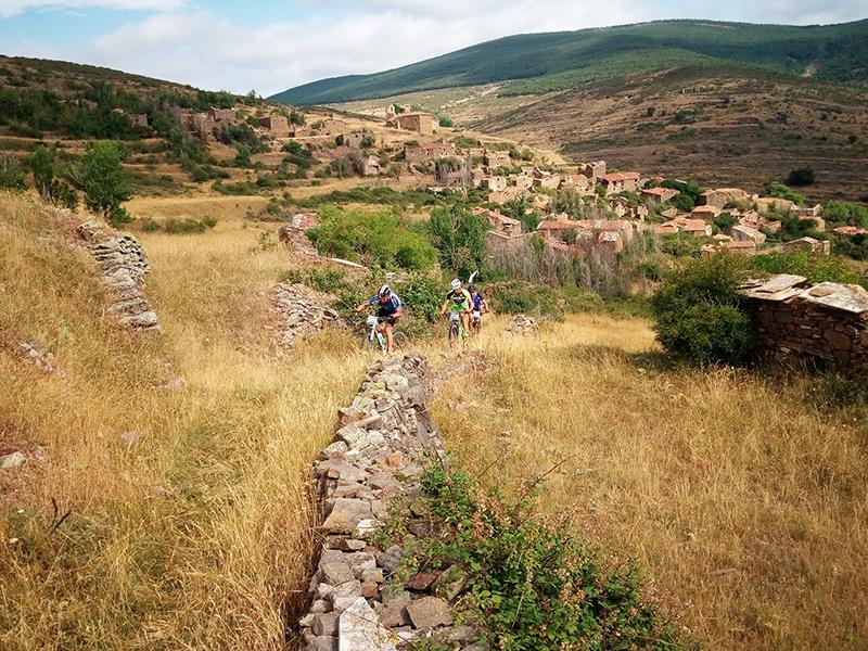 DTA2016 058 AlcaramaPasoValdenegrillos 16 - Escapada desde Madrid: Las tierras altas de Soria celebran la carrera de Mountain Bikes más épica