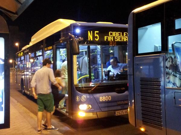 dentro web y rrss - Se reduce el número de autobuses nocturnos en agosto