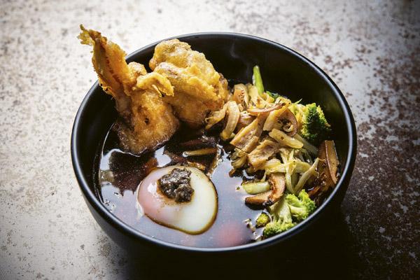 Nabemono de cangrejo y trufa. Uno de los platos favoritos del Bowl Bar.