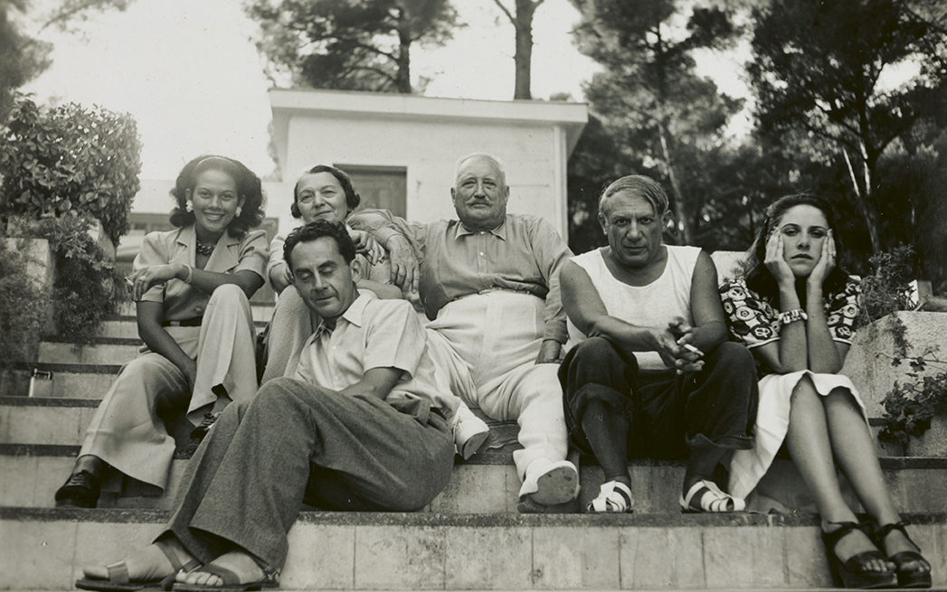 Addy, Man Ray, los Cuttoli, con Picasso y Dora Maar en Mougins, 1937.
