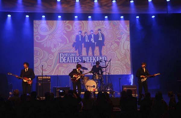 showbeat 04 - The Beatles tocan en Madrid