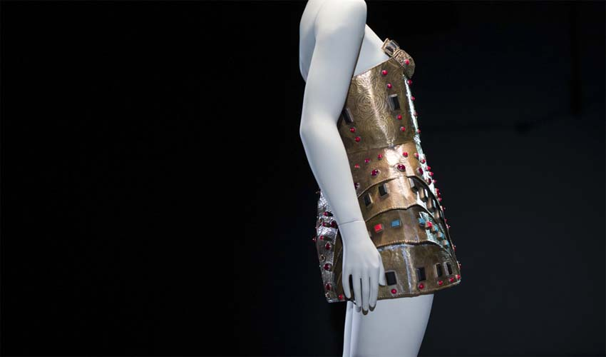 Un siglo de moda a través de la silueta femenina