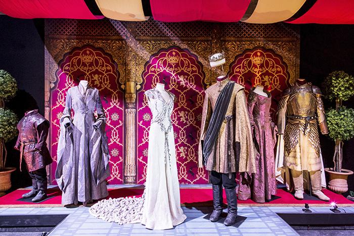 3 AREA 4 KINGu2019S LANDING. Photo by Mahala Nuuk 1 v1 current - Los escenarios y vestuarios originales de Juego de Tronos están en Madrid