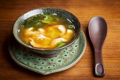 Sopa de miso del restaurante Kiboka.  - Algunos de los mejores platos de invierno de Madrid