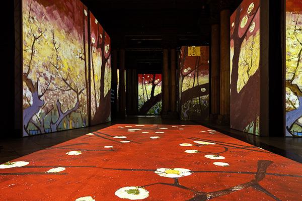 a87ea5c5 dd5f 4d92 8674 f88d0882cd11 - Oler y pasear dentro de las obras de Van Gogh es posible en el Círculo de Bellas Artes