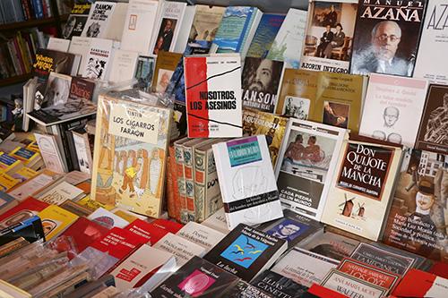 caseta 21 - Los libreros de la Cuesta de Moyano nos recomiendan sus libros favoritos