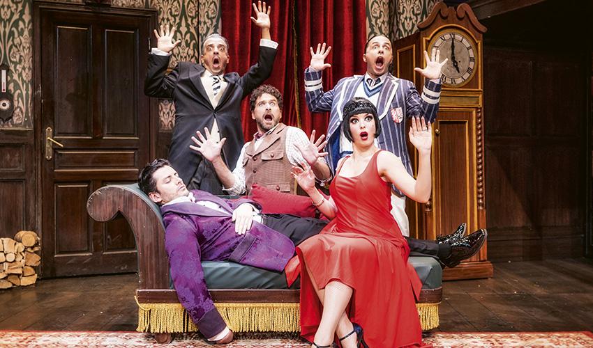 Humor e historia social en dos buenas obras de teatro