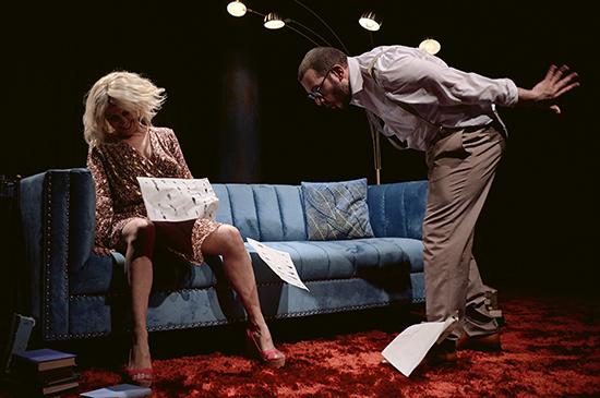 taxi girl - Humor e historia social en dos buenas obras de teatro