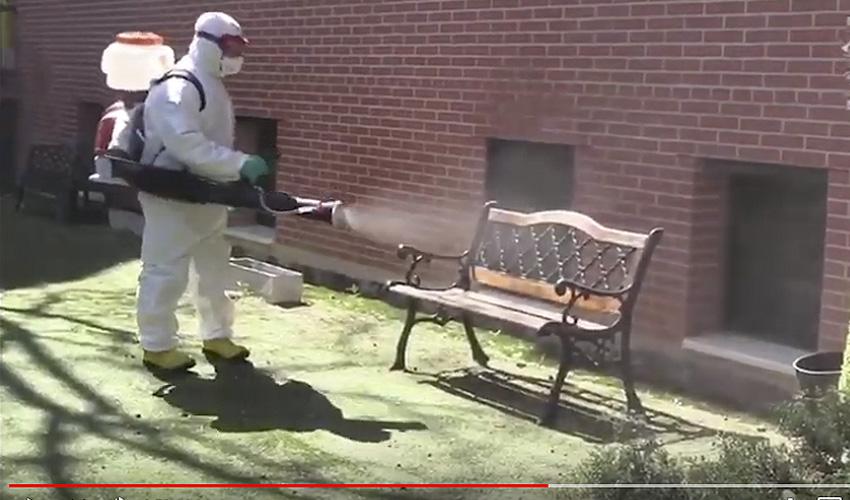 Video de los Bomberos descontaminando residencias de ancianos