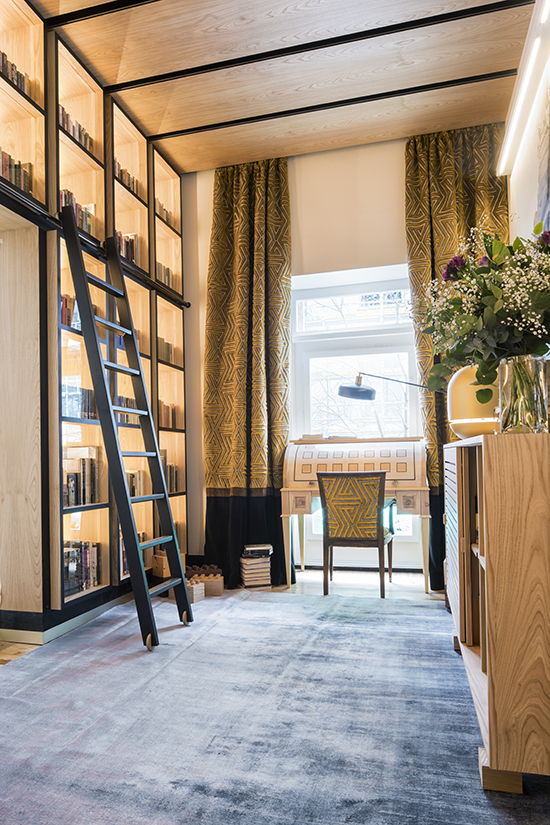 casa decor 20 Artemade Gemar biblioteca Marta Labrador 01 - Casa Decor 2020 apuesta por los materiales orgánicos como tendencia en decoración