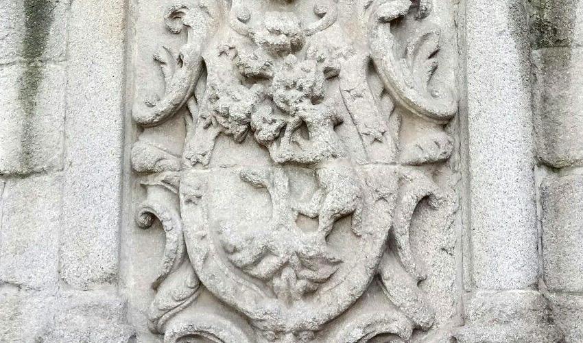 Escudo de Madrid: la osa y el manzano