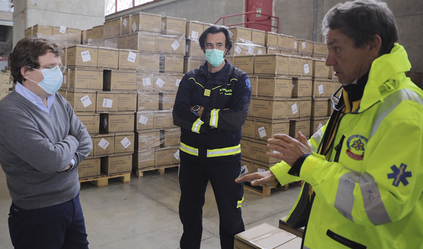 Madrid recibe más de 1 millón de guantes y 600.000 mascarillas