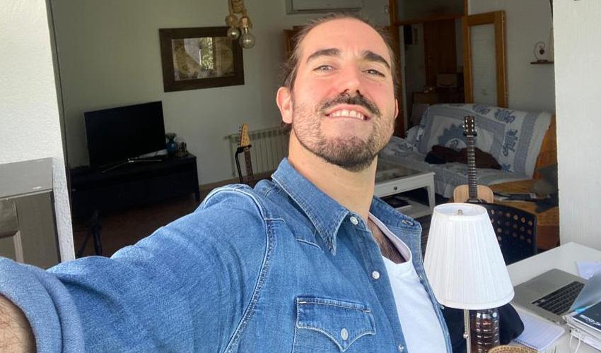 """Andrés Suárez: """"El confinamiento me ha descubierto gente que no pintaba nada en mi vida"""""""