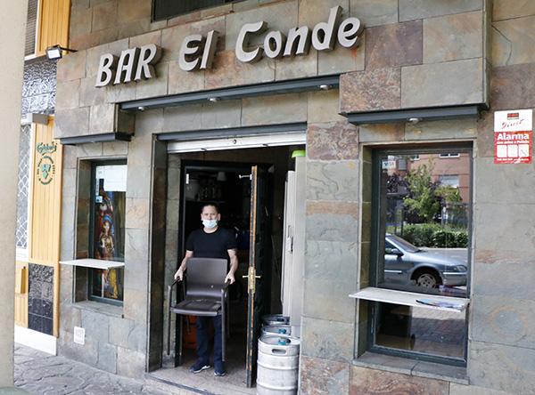 bar El Conde - La peluquería de Isabel y el bar de Uvaldo. Madrileños ante la desescalada