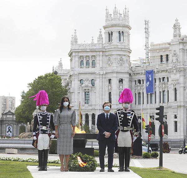 cibeles - El Ayuntamiento de Madrid concede la Medalla de Honor de San Isidro al pueblo de Madrid