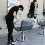 La peluquería de Isabel y el bar de Uvaldo. Madrileños ante la desescalada