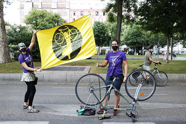 bici1 - Asociaciones ciclistas piden un carril bici en La Castellana