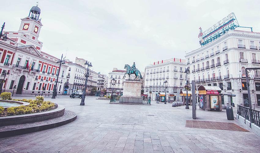 """""""Madrid en pausa"""" fotografías de Carmen Molina en una ciudad desierta"""