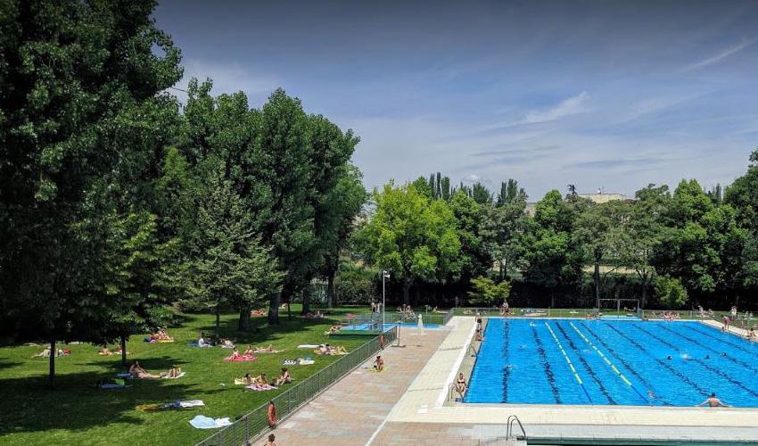 Las piscinas municipales abren el 1 de julio a mitad de precio